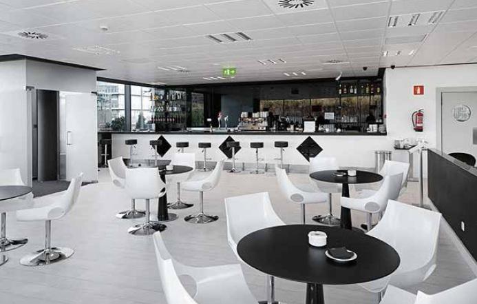 mobiliario-para-hosteleria-negro-blanco-5  - Mobiliario de Oficina