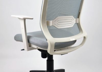 Silla-M18-DSC_0035-400x284  - Mobiliario de Oficina