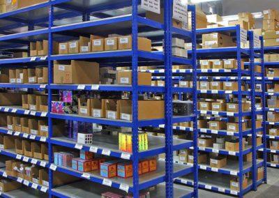 estanterias-metalicas1-400x284  - Mobiliario de Oficina